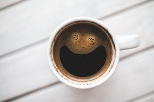 Tasse Kaffee Wartezimmer