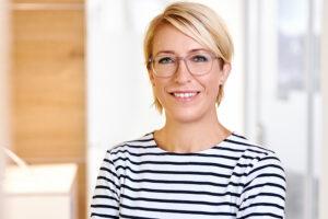 Dr Julia Neuschulz